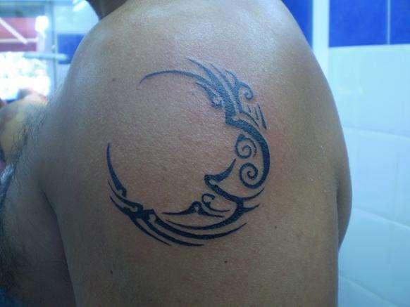Moon tattoos | tattoosphoto